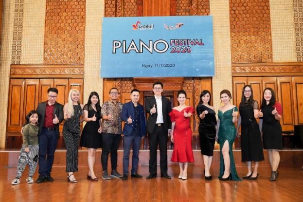 Và đặc biệt là sự có mặt của ông Adrian Soo – Nhà sáng lập chương trình nghệ thuật Châu Á – Thái Bình Dương