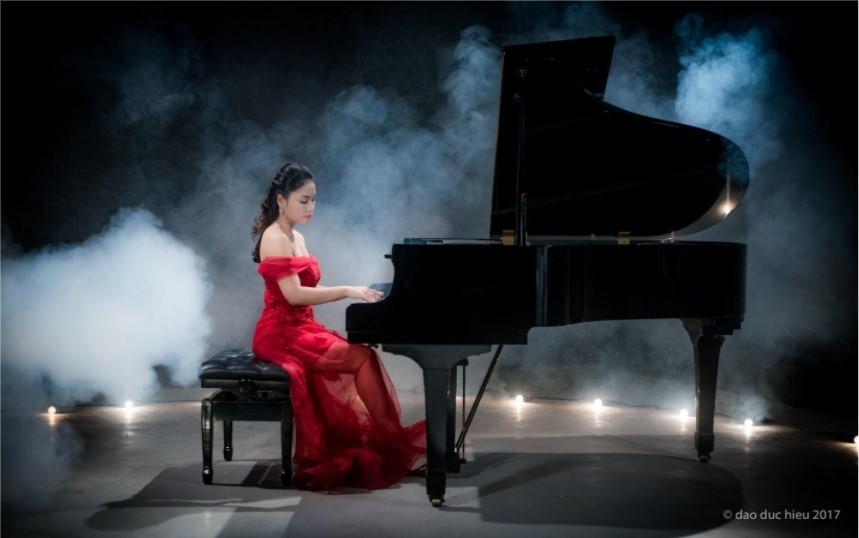 Pianist Hồ Thị Ngọc Hà