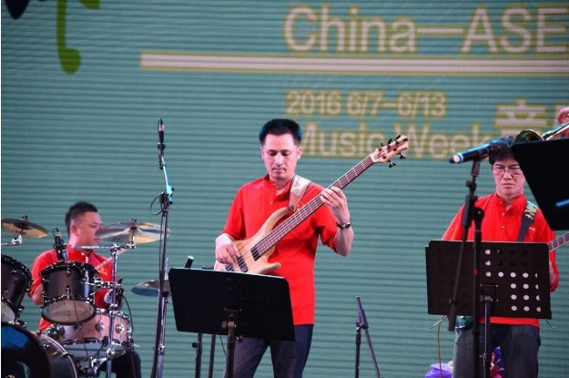 Nhạc sĩ Mai Kiên - Trưởng phòng đào tại trường Đại học Văn hoá Nghệ thuật quán đội