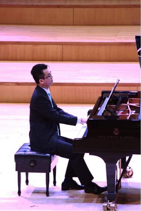 Thầy Đăng Khánh - Giảng viên Học viện  m Nhạc Quốc gia Việt Nam